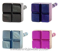 Ti2 titanium square chequer stud earrings