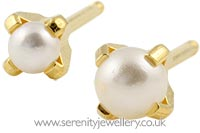 Studex Tiny Tips gold plated steel pearl earrings